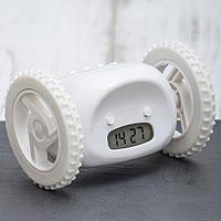 Часы будильник Инопланетянин белый (*)